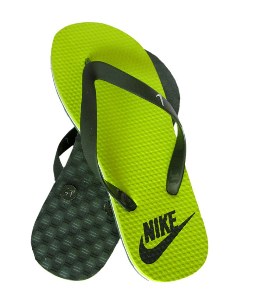 premium selection 2dcbb 962aa Buy Nike Green Flip Flop 7443748 for men online in india on ...