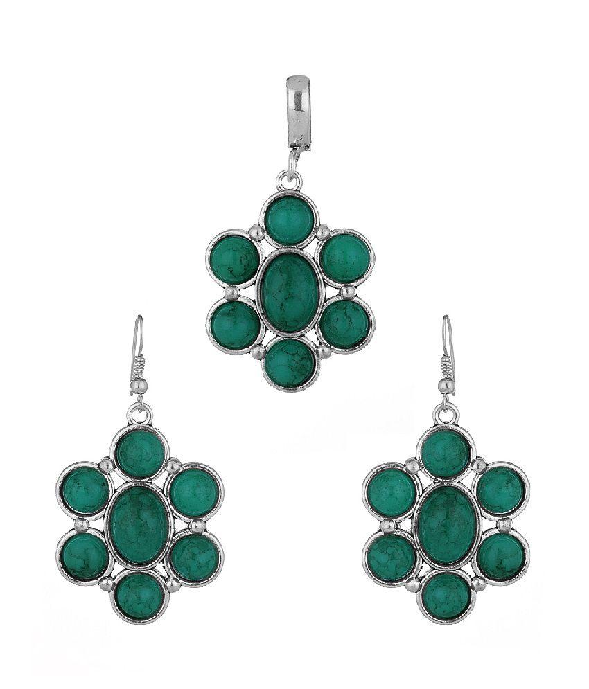 Voylla exquisite green stone embellished pendant set for Exquisite stone