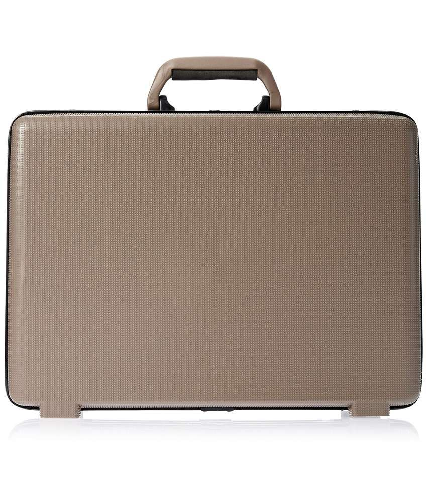 2d6a3a61668 Safari Arrow Ct 3 Brown Office Briefcase - Buy Safari Arrow Ct 3 Brown  Office Briefcase Online at Low Price - Snapdeal