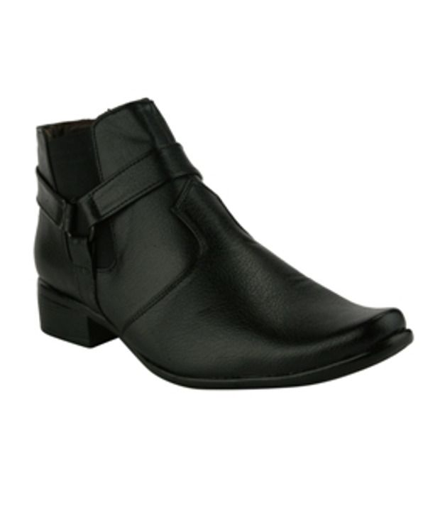 Wave Walk Black Boots