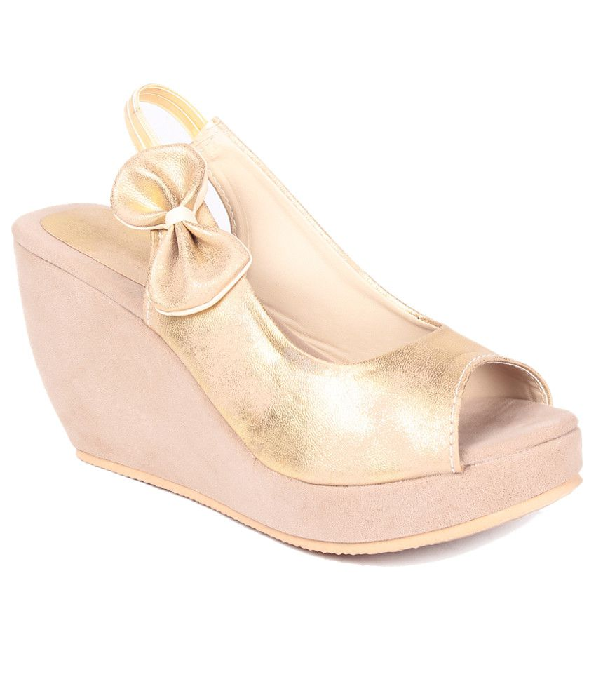 Ruby Gold Wedges Sandals