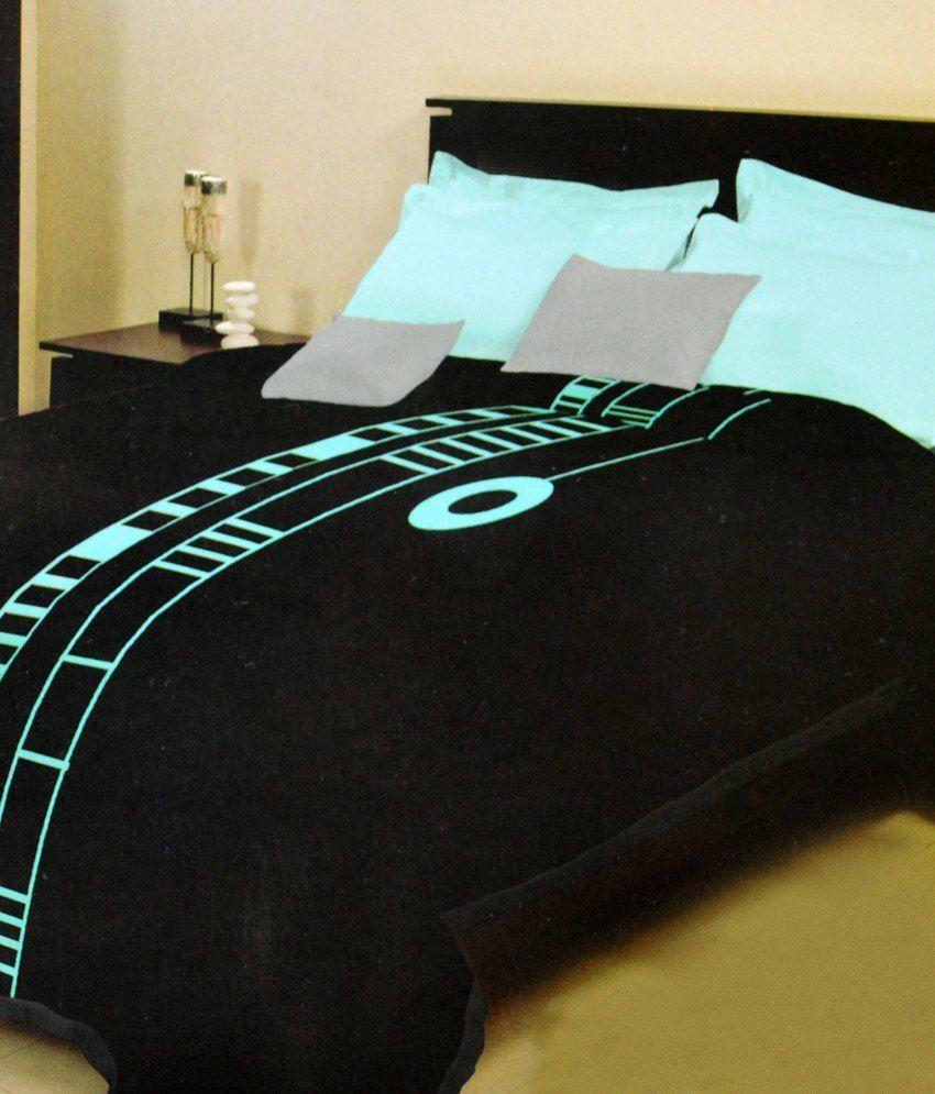 Bombay Dyeing Black Printed Polyester Blanket