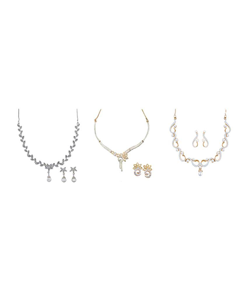 Oleva Elegant Necklace Set - (set Of 3 )