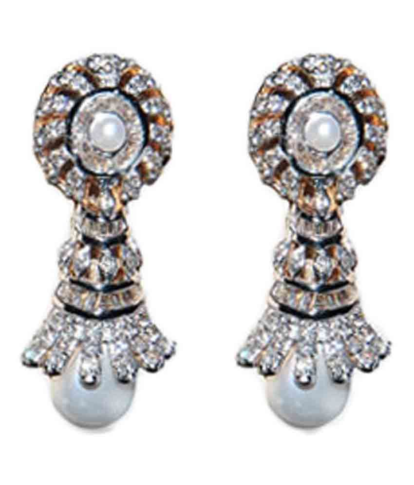 Jain Jewellery House Cluster 18kt Gold Diamond Drop Earrings