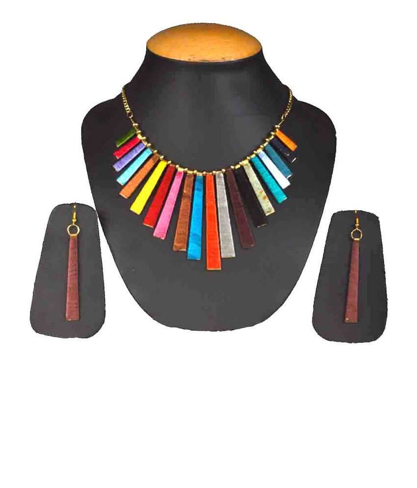 Shopatplaces Gold Antique Traditional Necklace Set