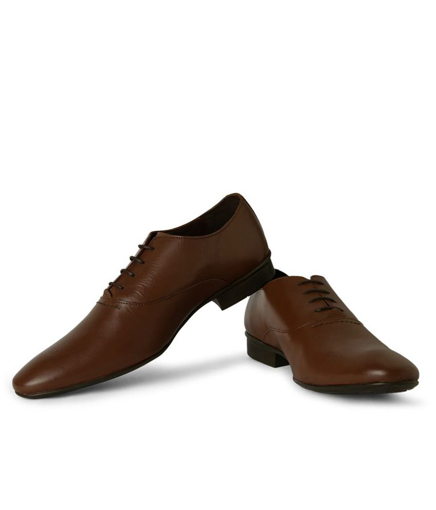 a039e3bfc3 Van Heusen Brown Formal Shoes Price in India- Buy Van Heusen Brown Formal  Shoes Online at Snapdeal
