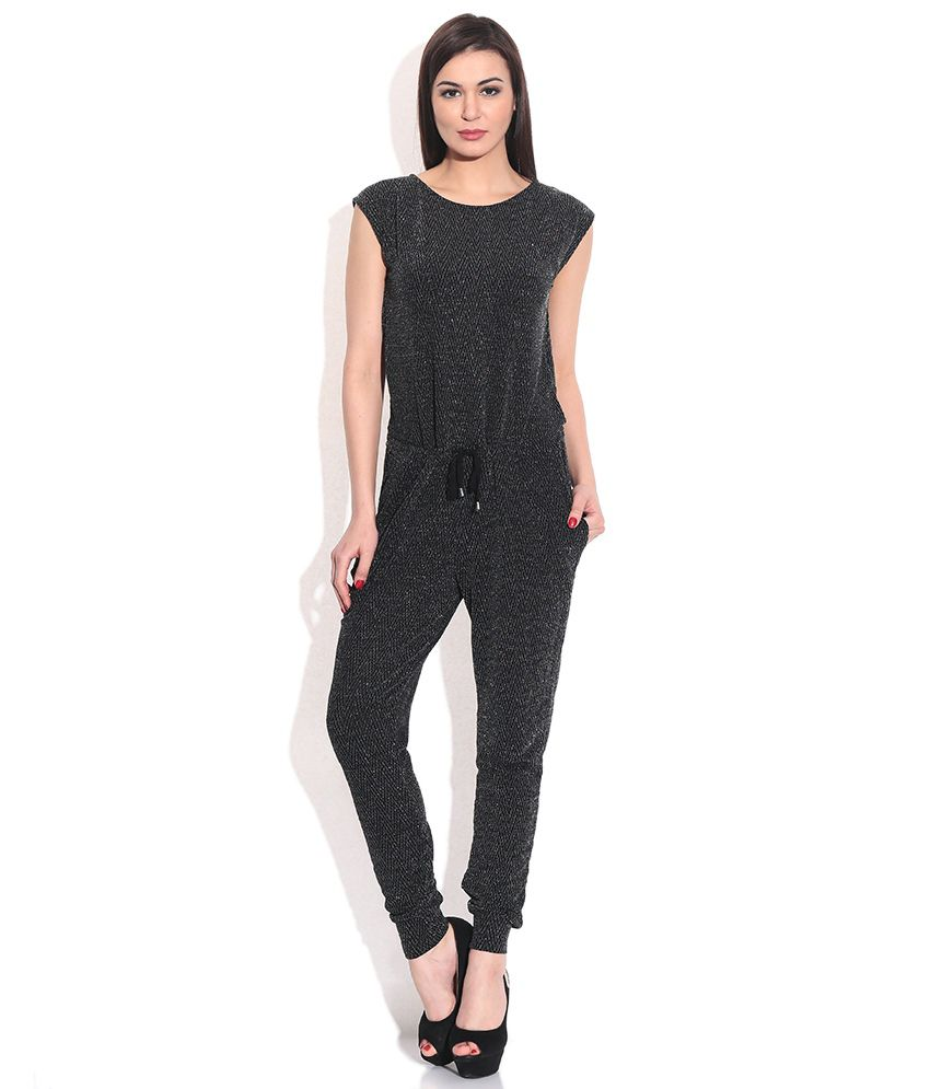 vero moda black jumpsuit buy vero moda black jumpsuit online at best prices in india on snapdeal. Black Bedroom Furniture Sets. Home Design Ideas
