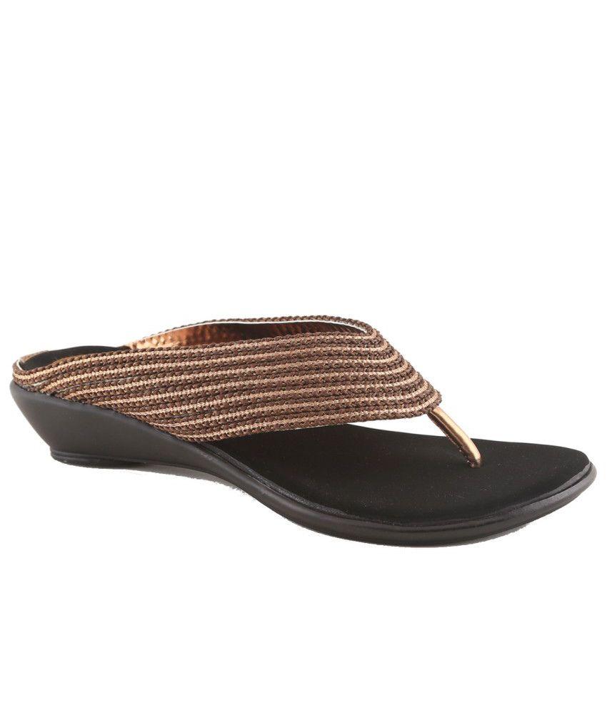Cenizas Casual Wear Medium Heeled Slip-on