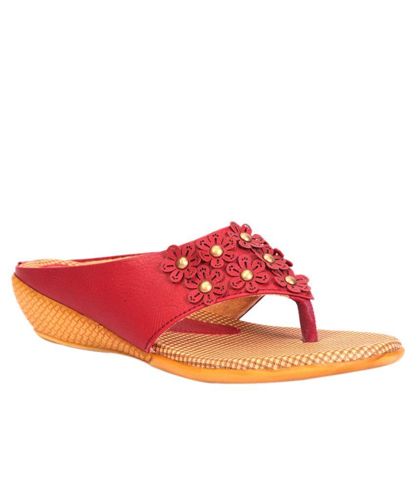 Trilokani Red Low Heel Slippers
