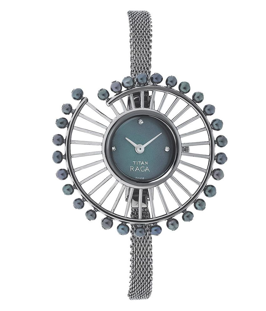 TITAN Black Mesh Strapped Womens Watch