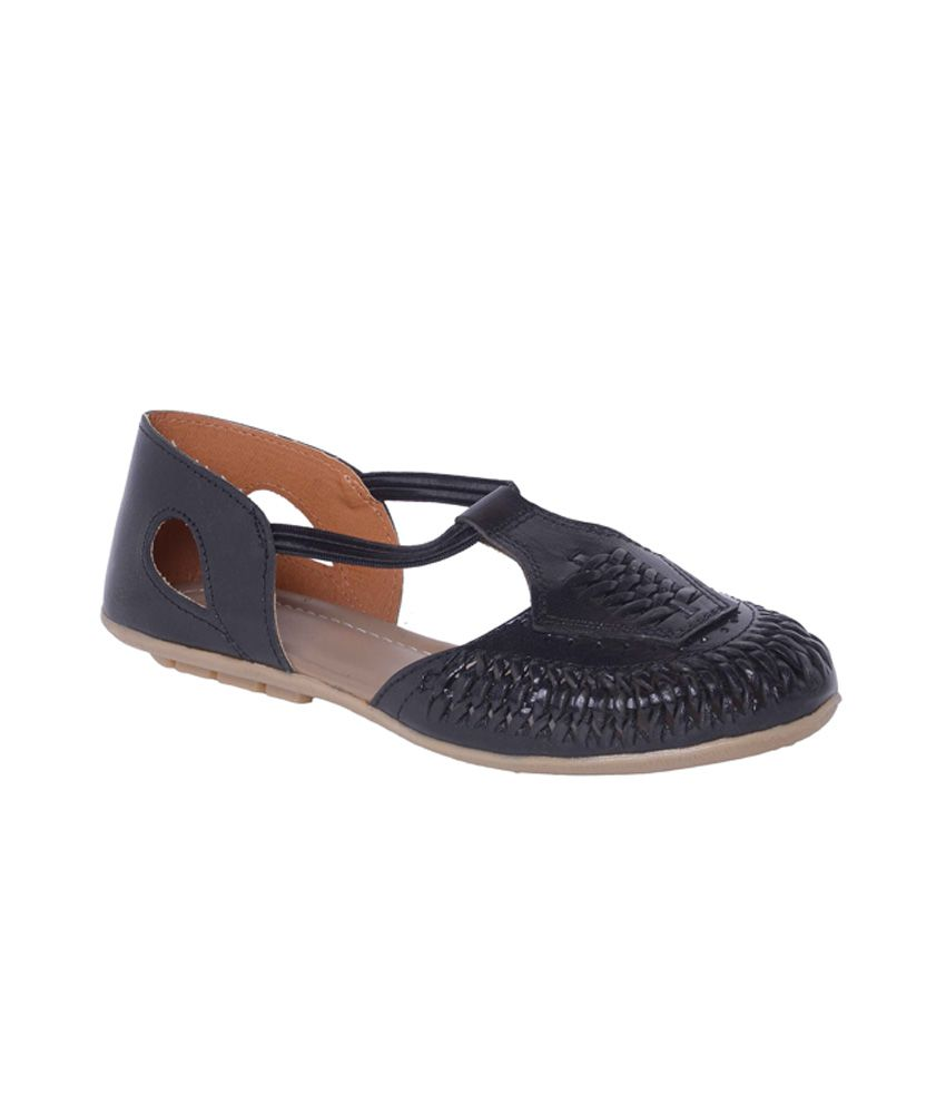 Nutan Black Round Toe Covered Back Flat Women's Basic Textile Sandals