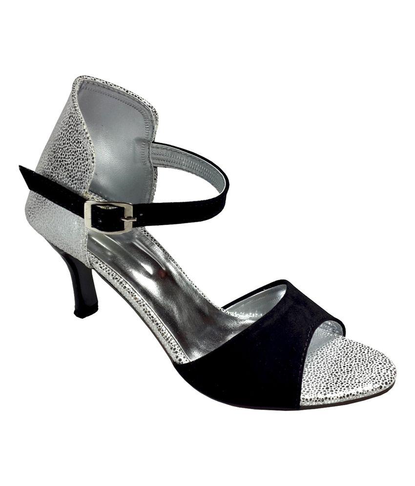 Plutos Stylish Black Medium Heel Sandals Price in India- Buy ...