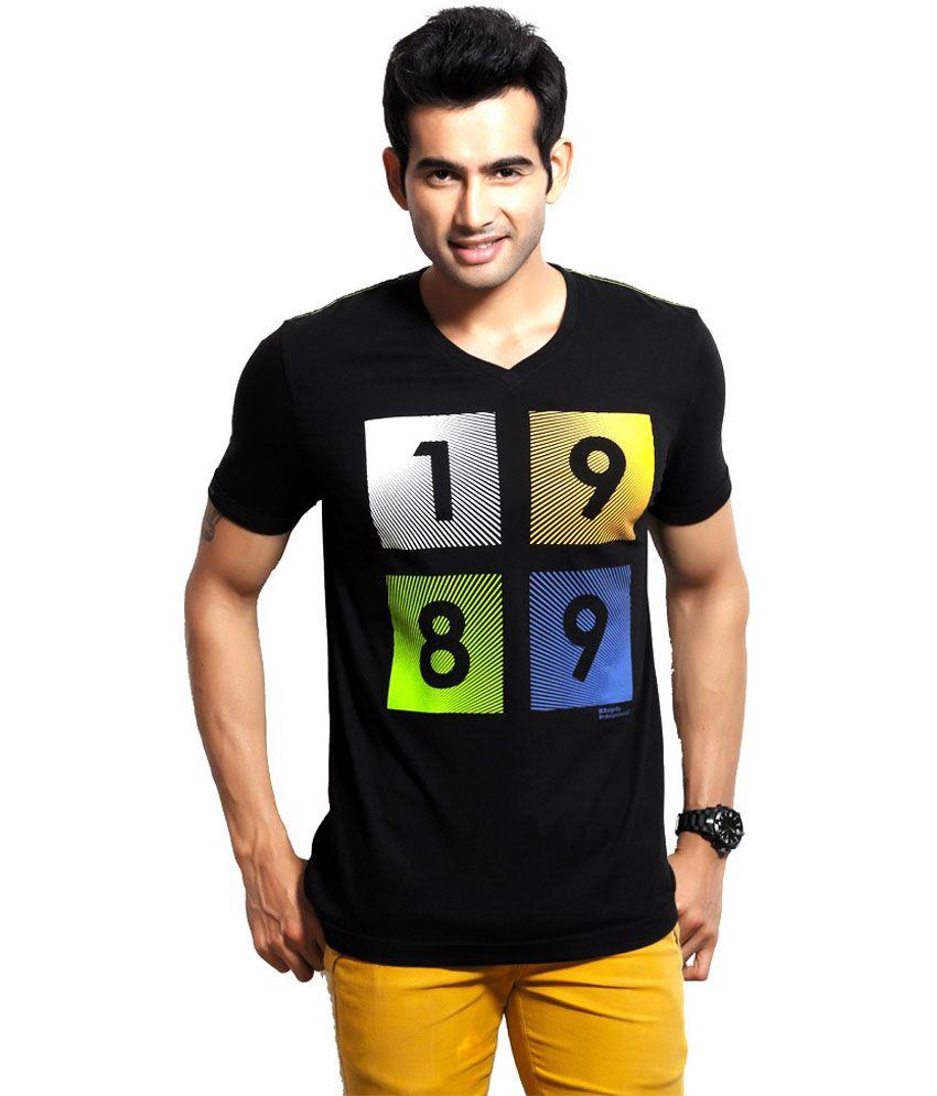 Dc Black with Digital Print Cotton Half Sleeves V-Neck T Shirt