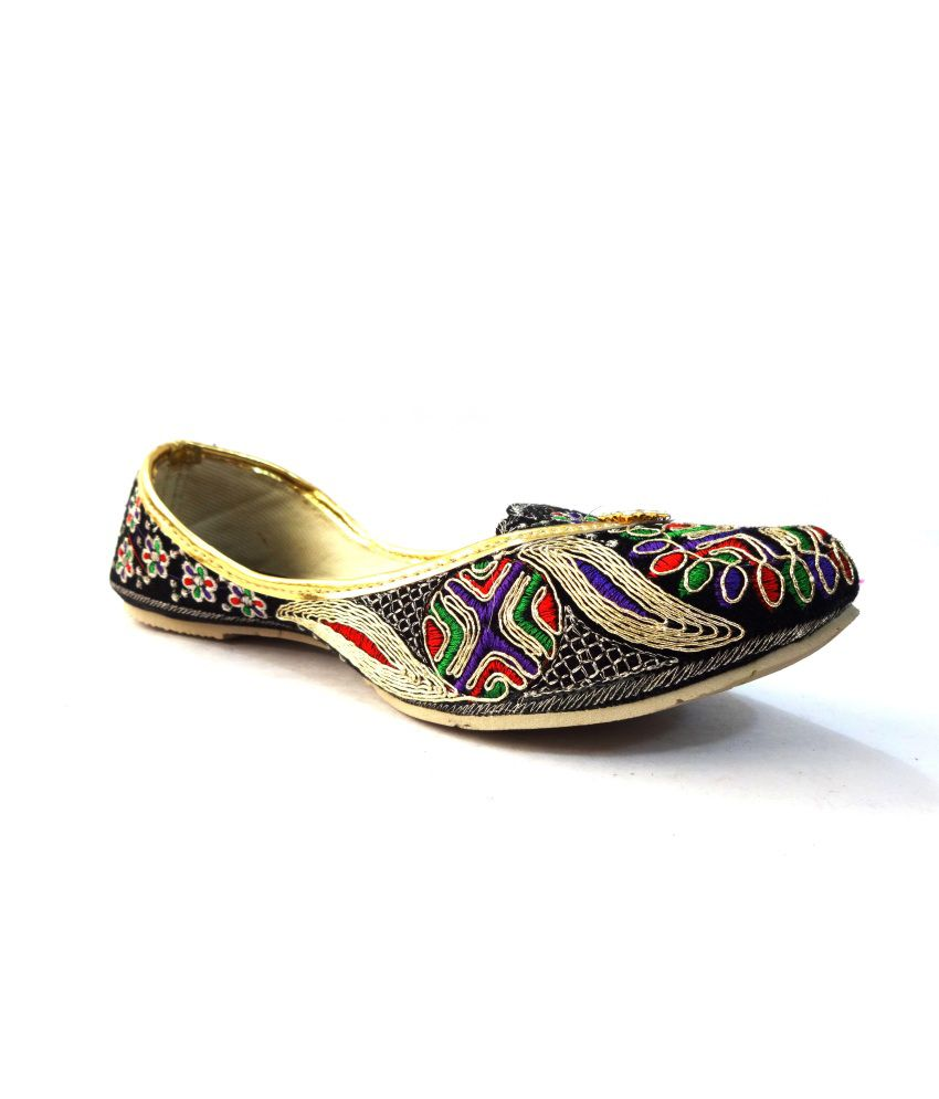Selfie Flat Suede Ethnic Shoes For Women