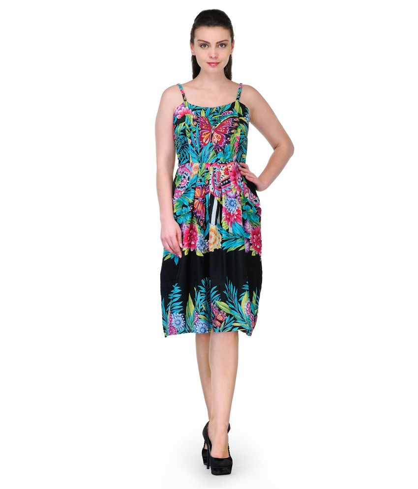 FashionGo is an online wholesale clothing marketplace where hundreds of manufacturers and wholesalers provide clothing, apparel, accessories, shoes, handbags and a .