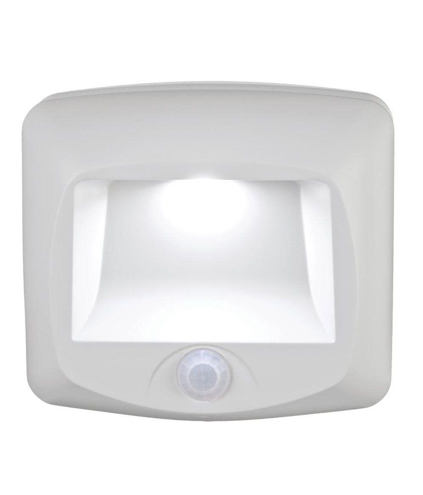white mr beams mb 530 battery operated motion sensor led step light