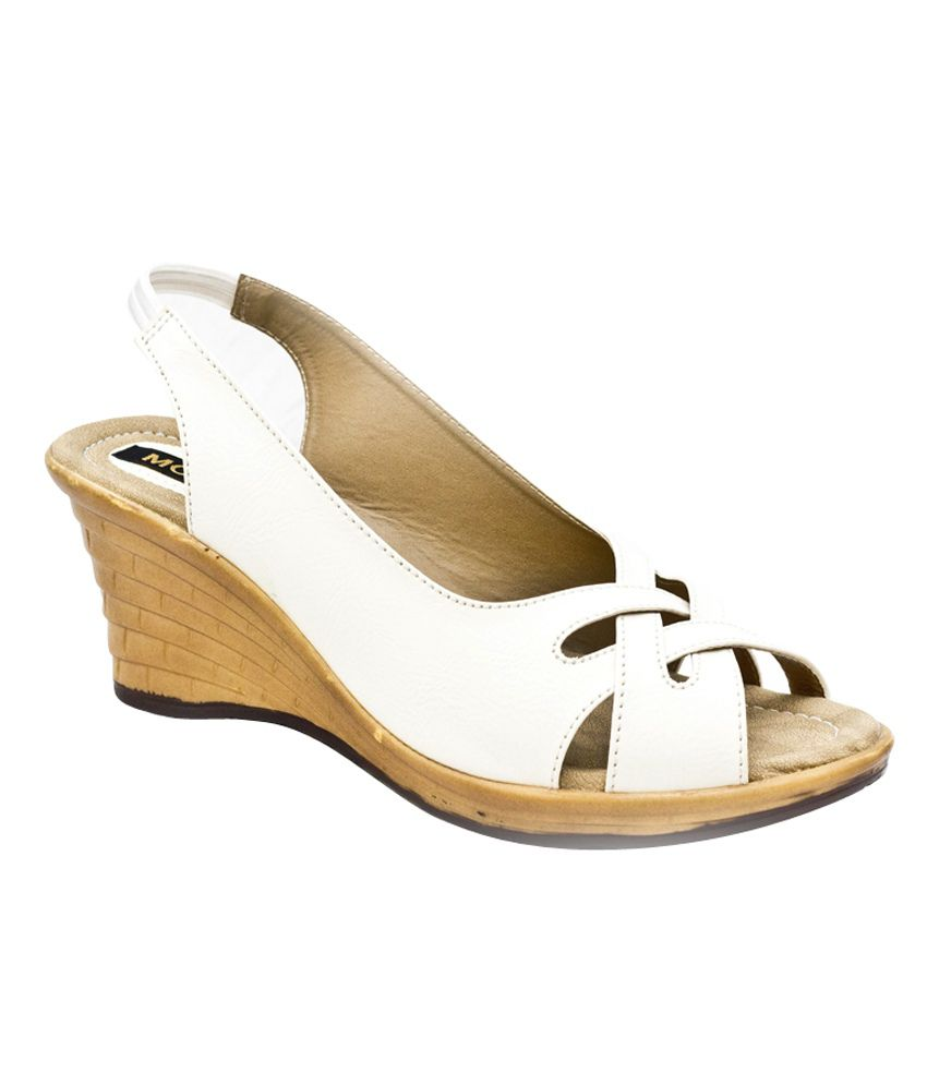 Momak White Medium Heel Sandals