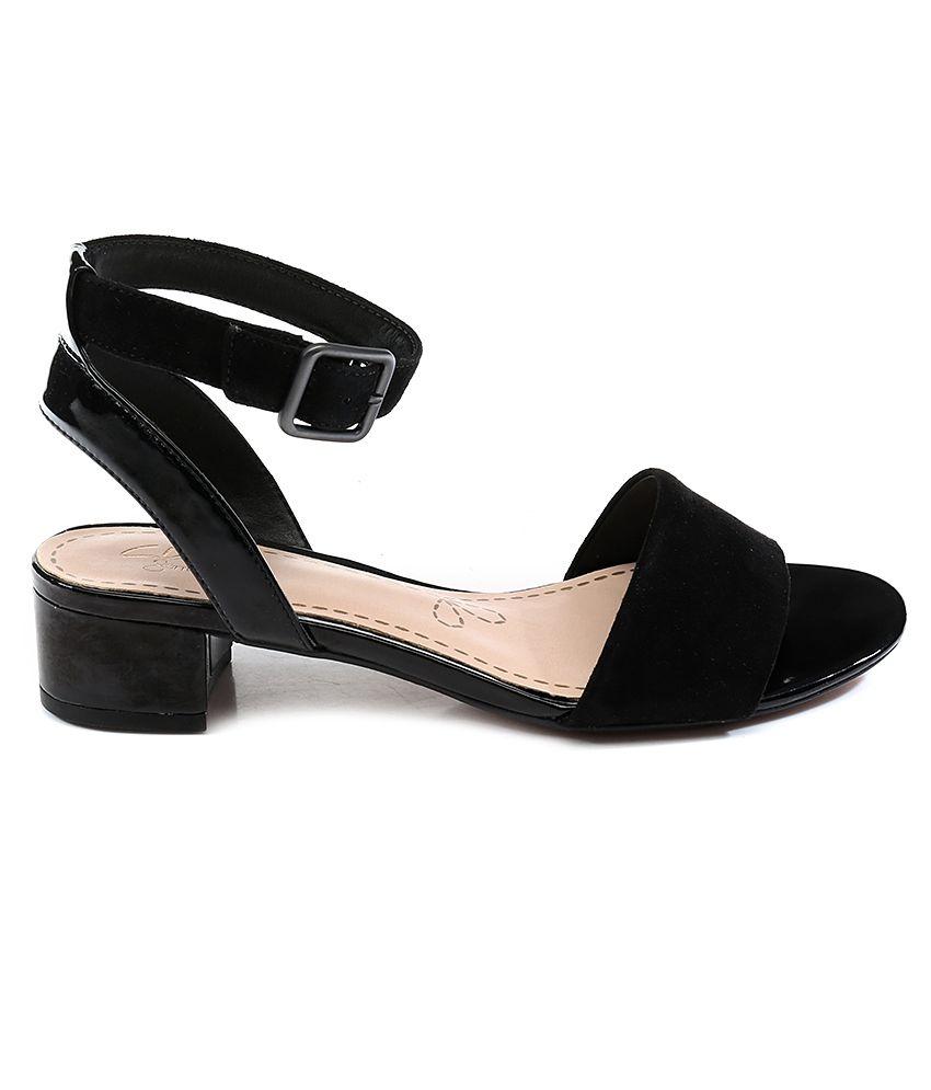 49918e4780c4b Clarks Sharna Balcony Black Sandals Price in India- Buy Clarks ...