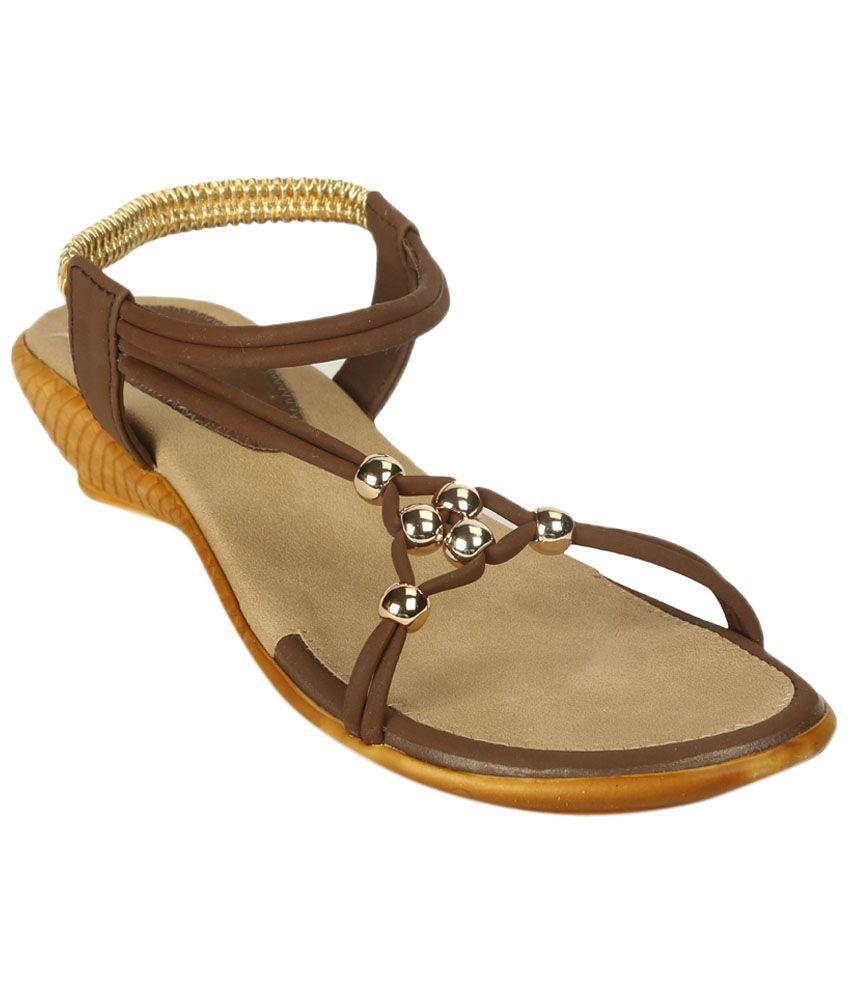 Zachho Stylish Brown & Beige Heeled Sandals