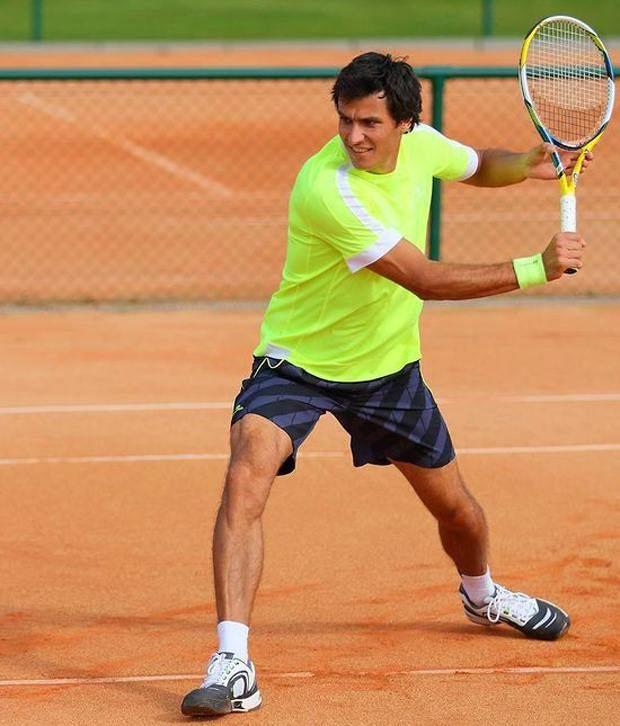 Artengo Yellow Tennis T Shirt for Men