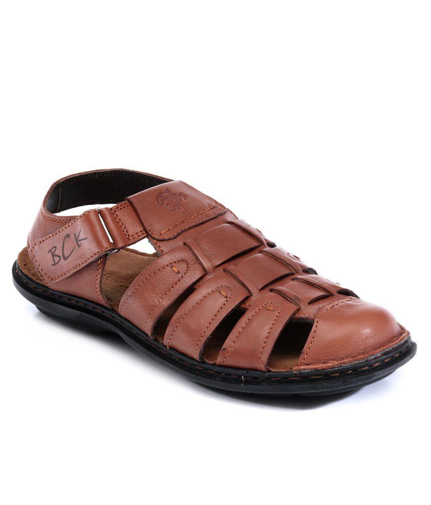 Buckaroo Solomon Tan Sandals Price in