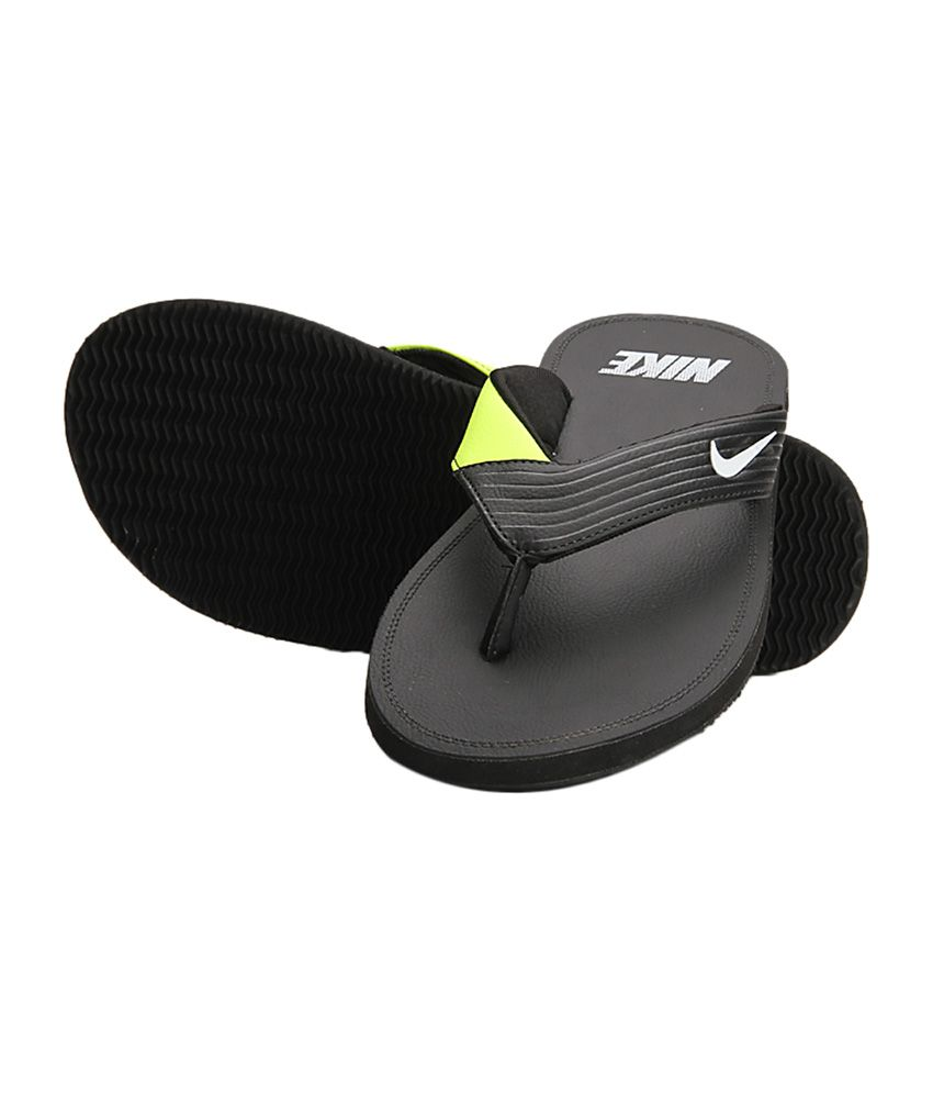 247d9a007843 Nike Black   Green Chroma Men Slippers Price in India- Buy Nike Black    Green Chroma Men Slippers Online at Snapdeal