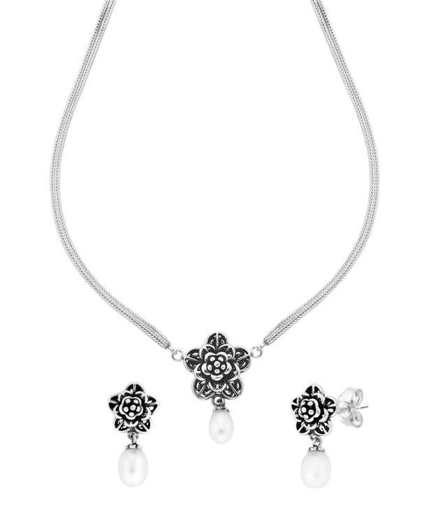 Taraash 92.5 Sterling Silver Floral Single Line Necklace Set