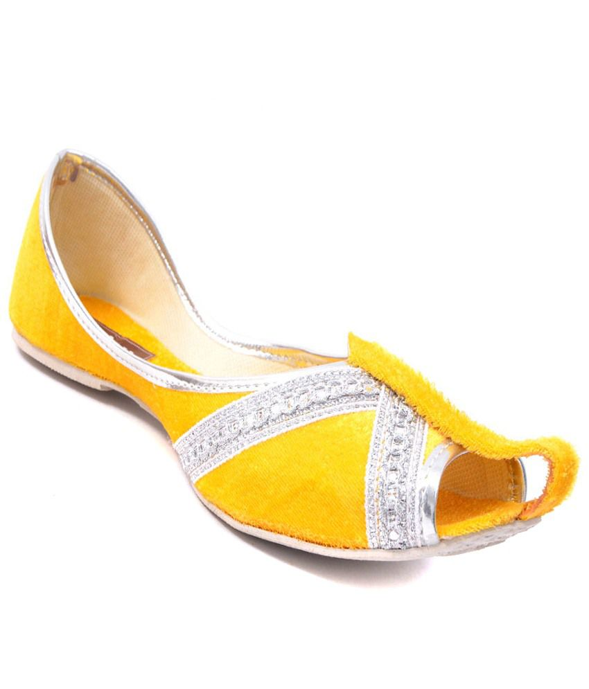 Leeway Footwear Yellow Velvet Juttis