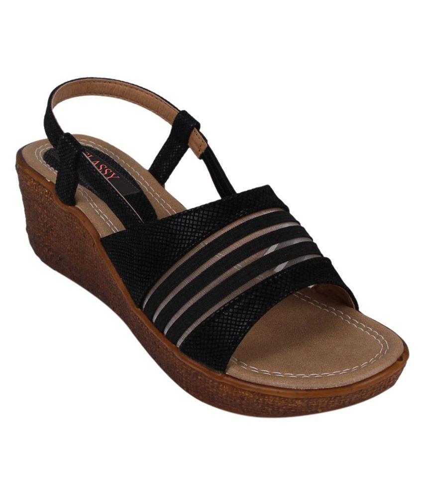 Classy Feet Black Wedges Heels