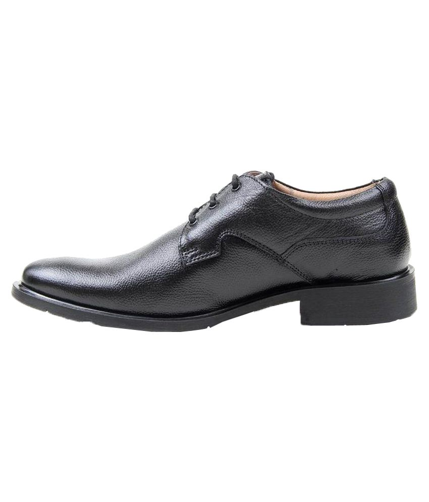 accbc1fa50d Red Chief Black Formal Shoes Price in India- Buy Red Chief Black ...