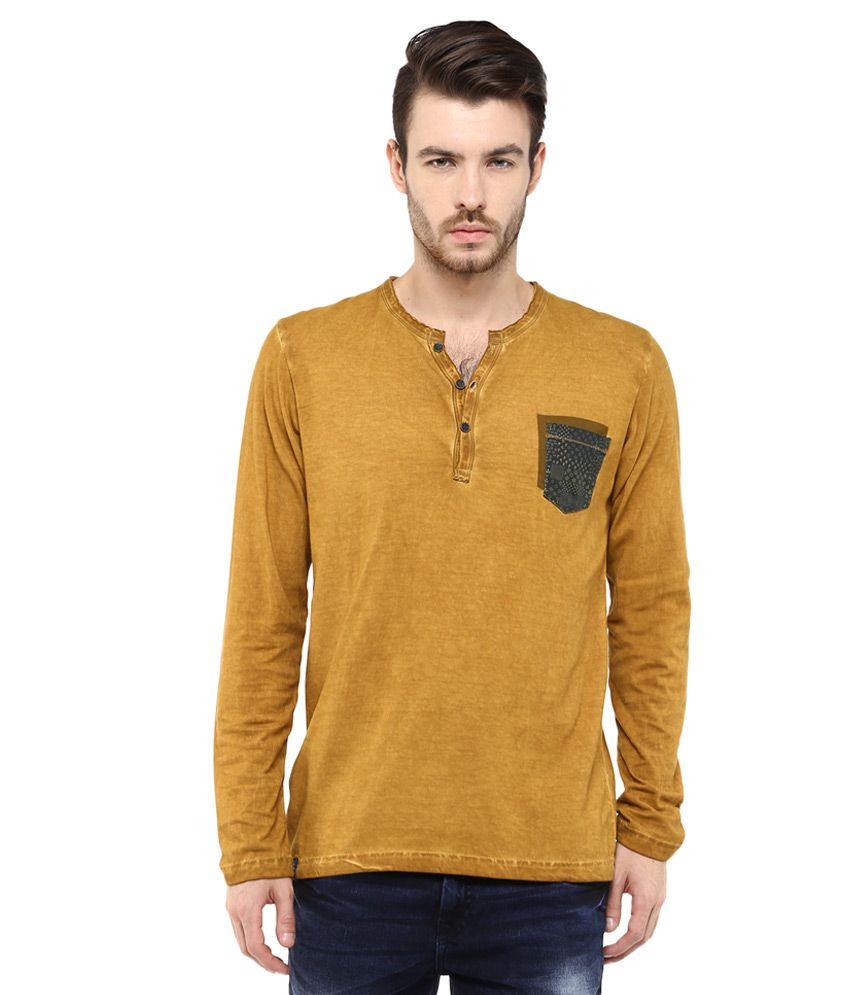 Mufti Khaki Solid Slim Fit Henley T-Shirt