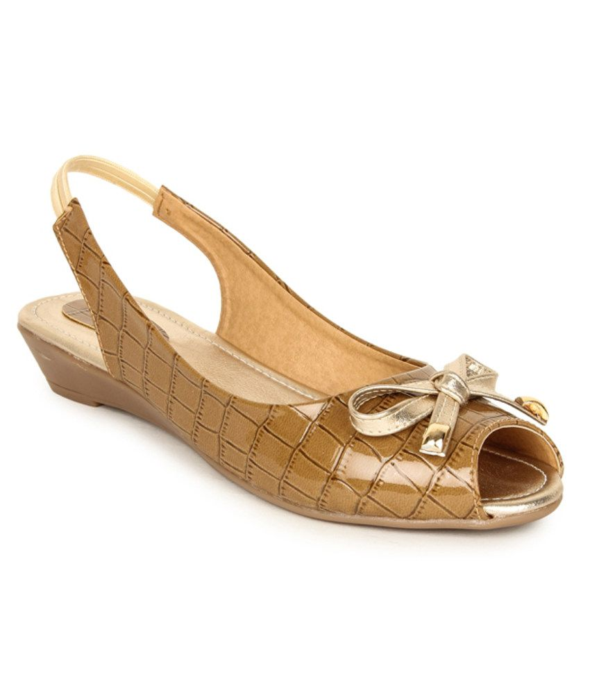 Lovely Chick Tan Sandals