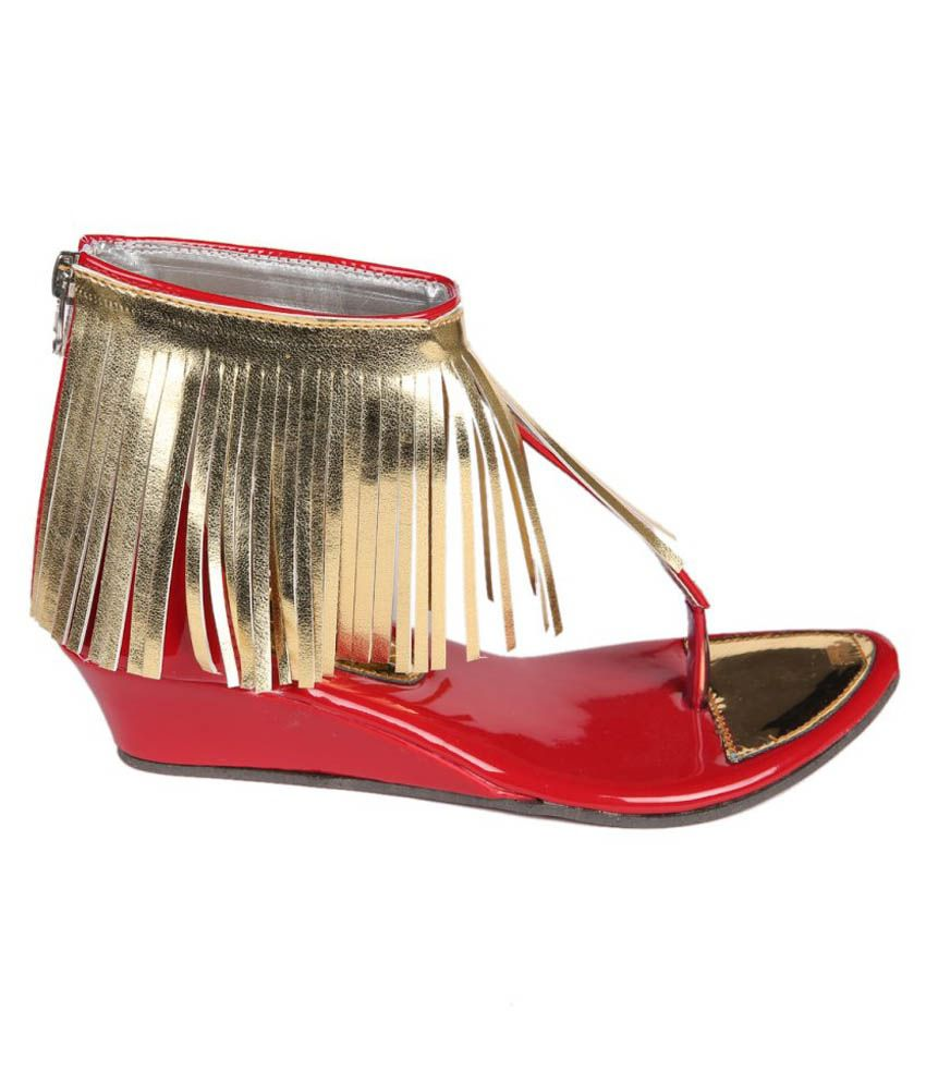 Trilokani Red Flat Sandals For Girls