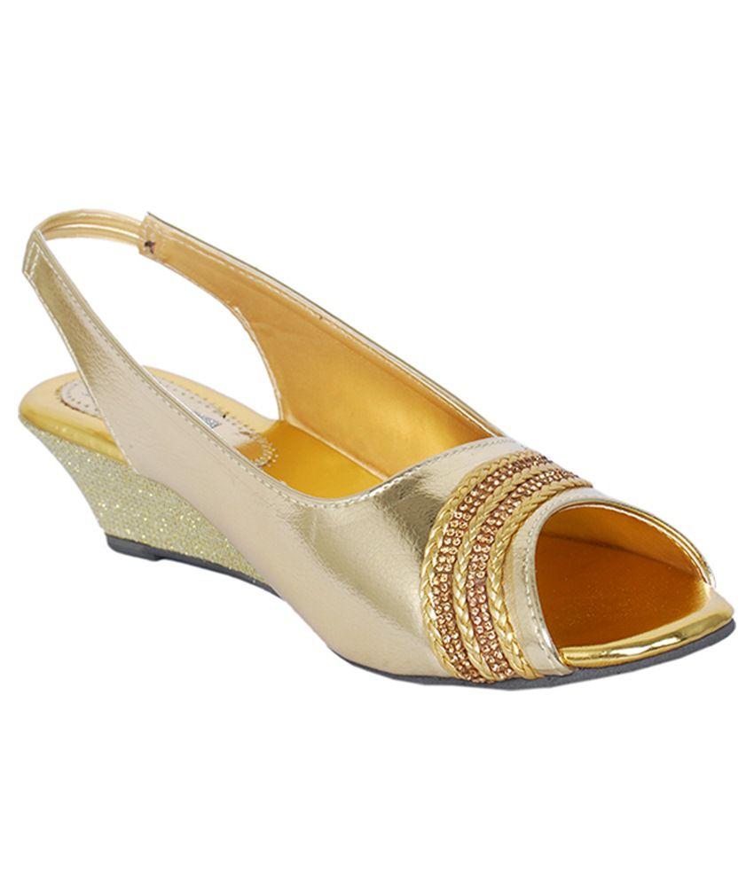 Sandhills Golden Sandal