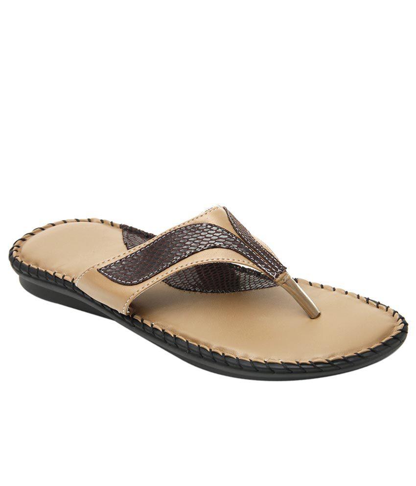 Tipcat Beige Flat Slip-on