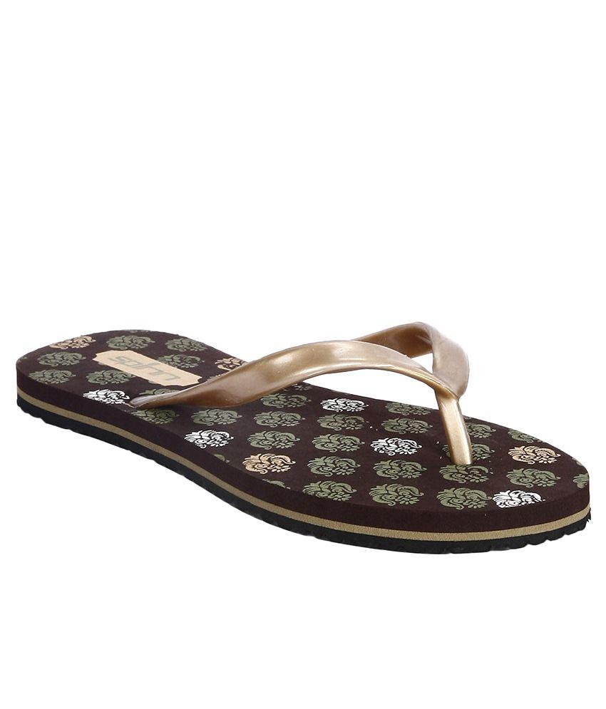 Spinn Brown Flip Flops