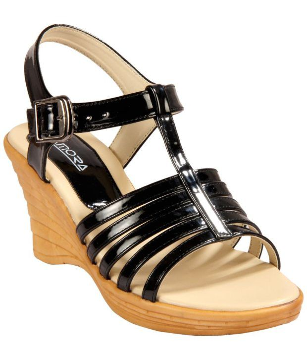 Amora Black Wedges Heels