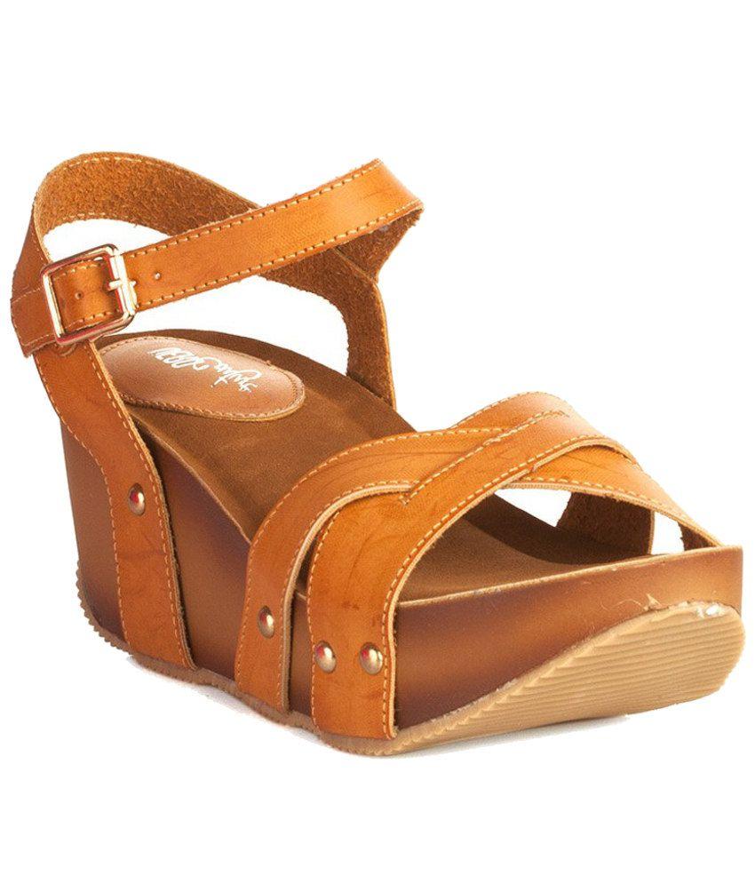 Vero Couture Tan Heeled Sandals