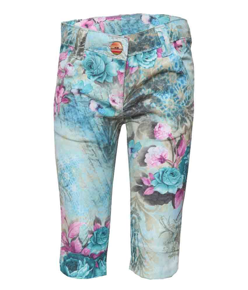 Tales & Stories Green Cotton Capris For Girls