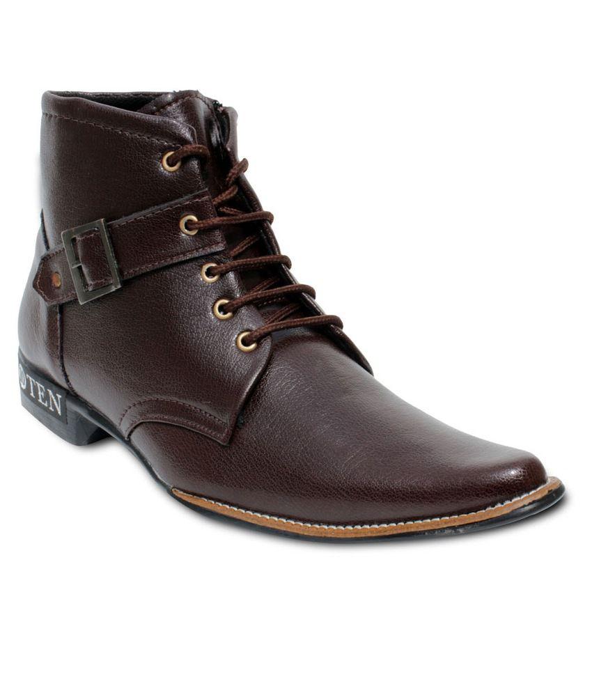 TEN Brown Boots