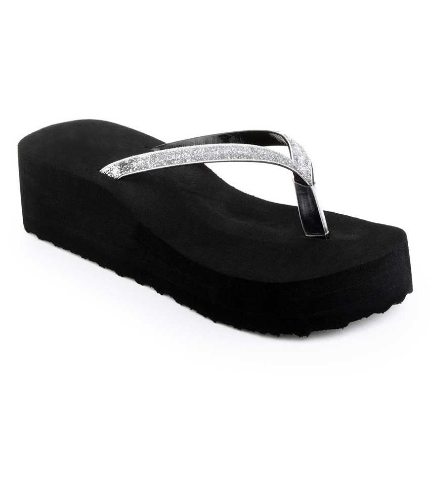 Sierra Club Silver Slippers & Flip Flops
