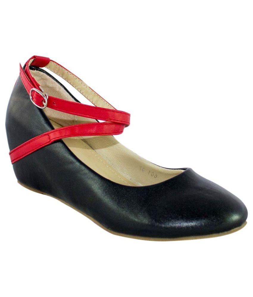 Heels & Handles Black Wedges Heels