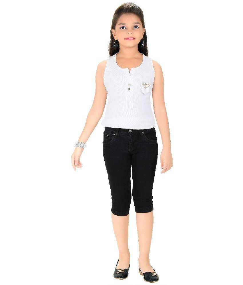 Clench Black Denim Capri
