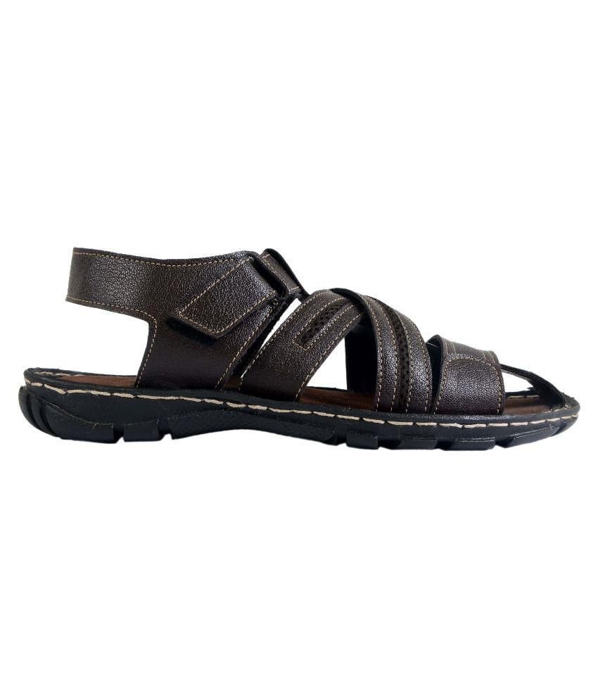 333f5b935b4f Shoegaro Brown Sandals Price in India- Buy Shoegaro Brown Sandals ...