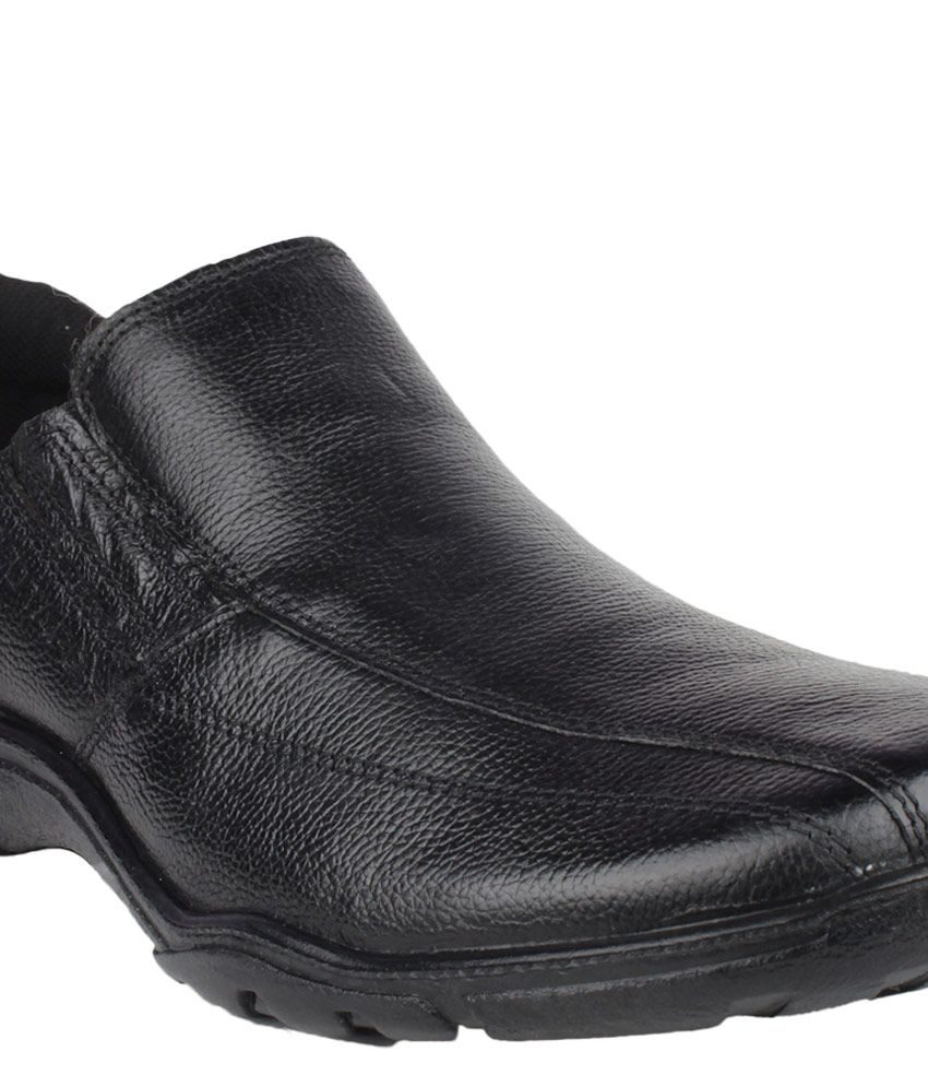 Red Tape RTR0571 Black Formal Shoes Price in India- Buy ...