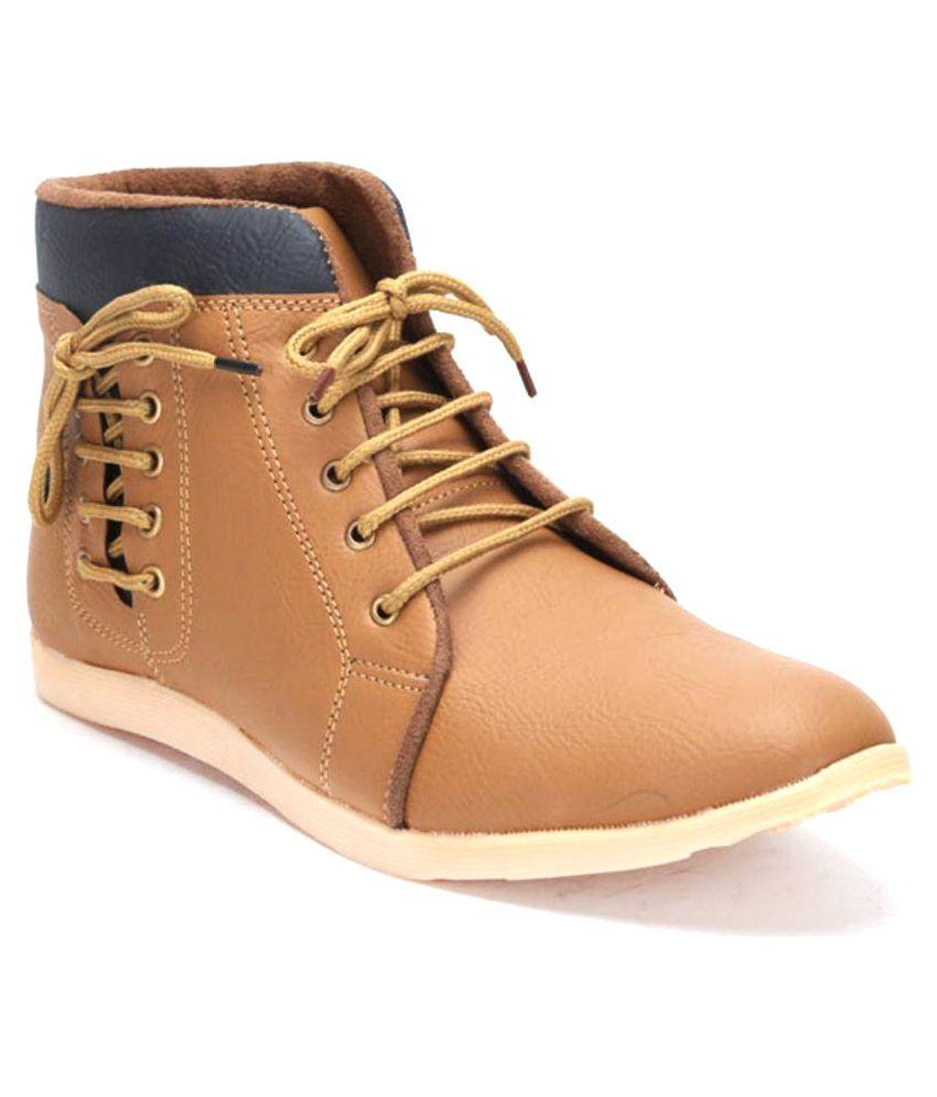 T-Rock Tan Boots