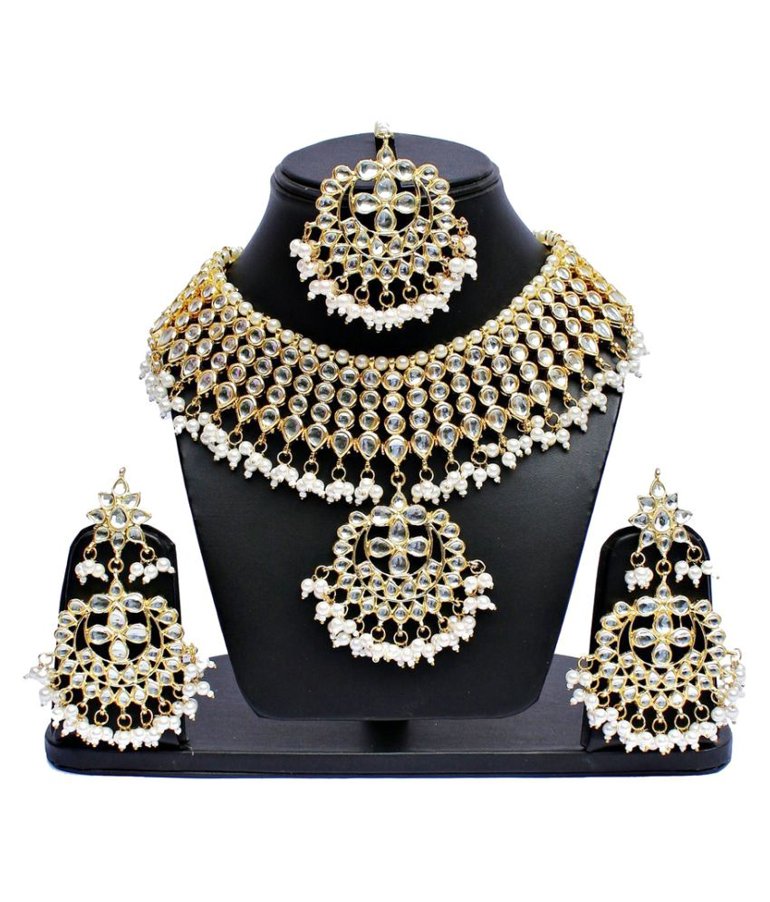 Lucky Jewellery Golden Kundan Necklace Set with Maang Tika