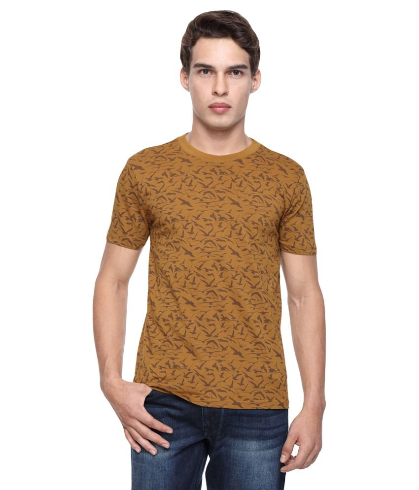 Wolfpack  Brown Round T-Shirt