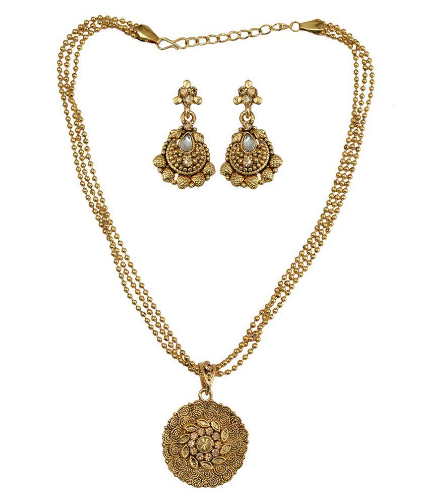 Taj Pearl Golden Pendant Set