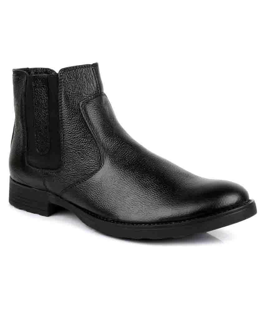 Escaro Black Chelsea boot